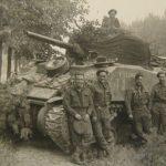 Foto 6 - Bij de Sherman tank