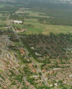 Recent air photograph of the village of Malden. Airstrip B-91 was situated east of the main road to Nijmegen (N271).