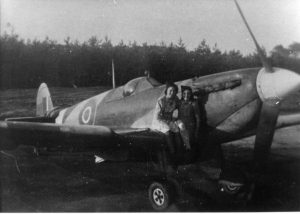 Spitfire with Lenie and Marietje Polman at B-91.