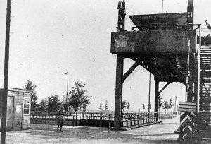 Heumen. Molenhoek Bridge and monument